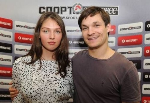 Snowboarders-Vic-Wild-and-his-Russian-wife-Alena-Zavarzina-1