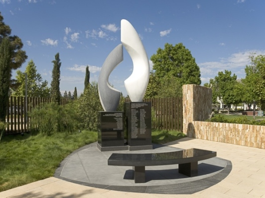 air_disaster_memorial_1