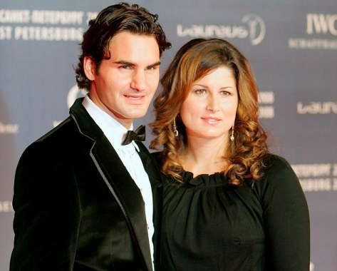Roger Federer announces girlfriend is pregnant