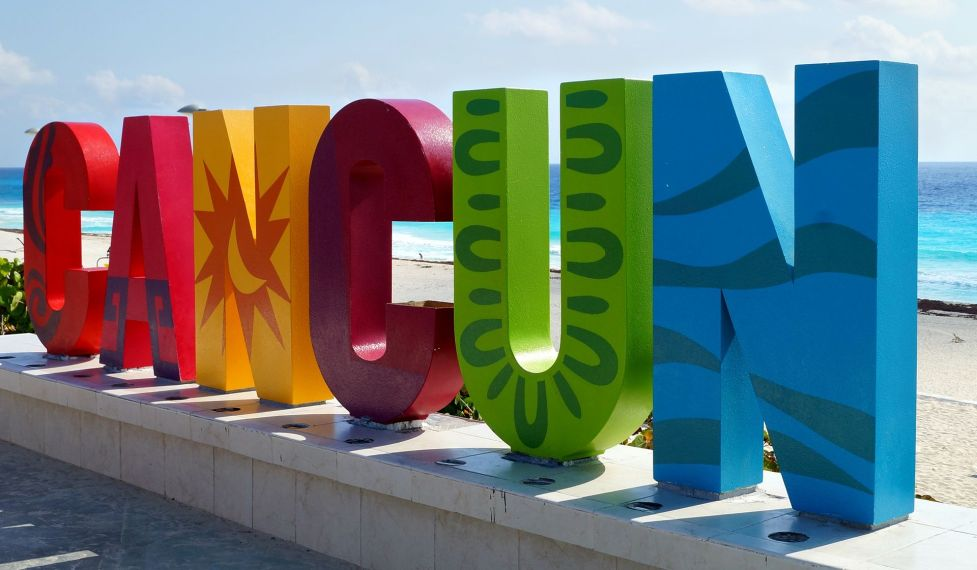 CANCUN_SIGN_-_Photo_by_World_Wide_Wilson-2